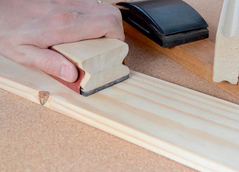Lixamento e preparação da madeira